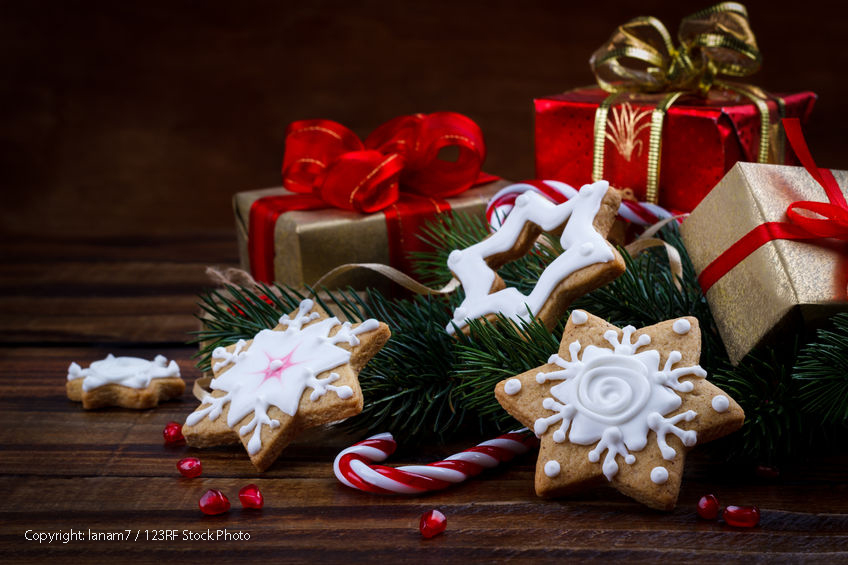 63706371 - christmas decoration composition with cookies gift box and pomegranate seeds